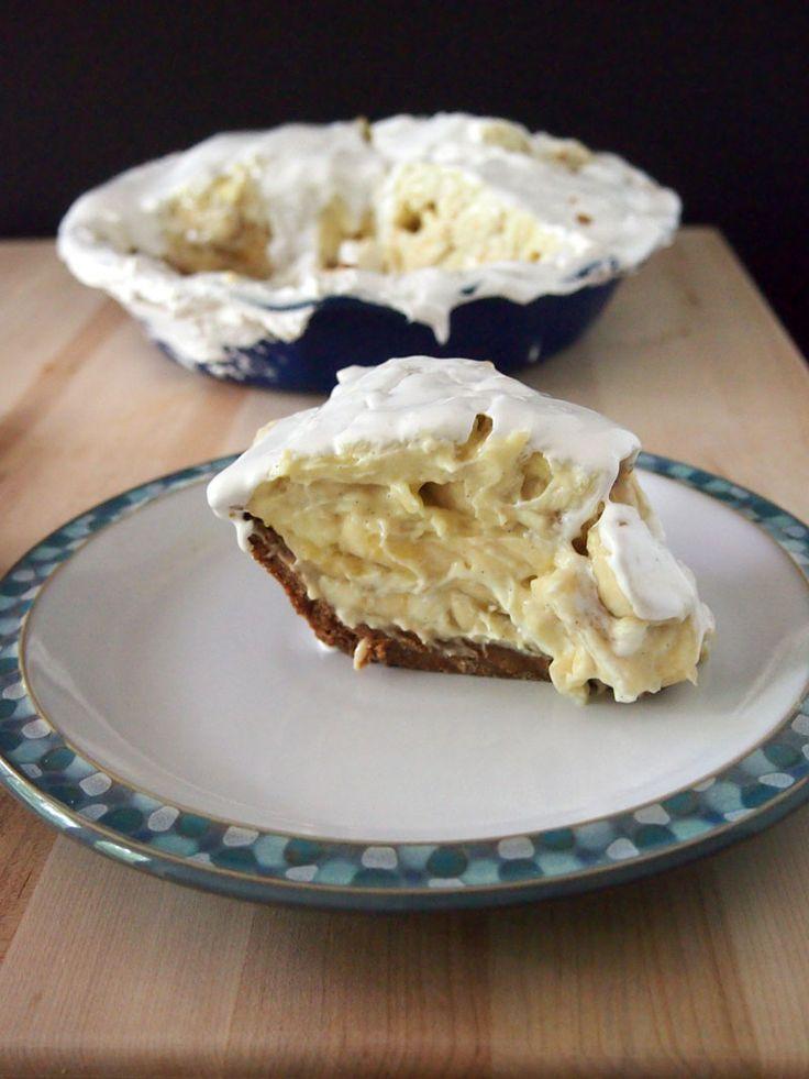Emeril s famous banana cream pie recipe banana cream for Lemon meringue pie with graham cracker crust
