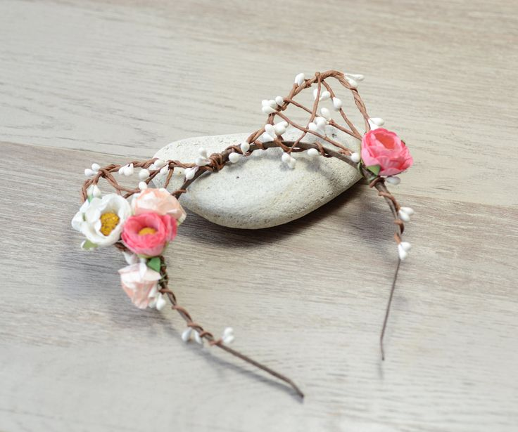 Floral cat ears headband flowers cat ears, cat ear, Cat HairBand, Ariana Grande, Kitten Ears headpiece, festival,  kawaii floral kitty ears by BohoandBarocco on Etsy  #catearsheadband #catears #kittyears #catcostume #arianagrande