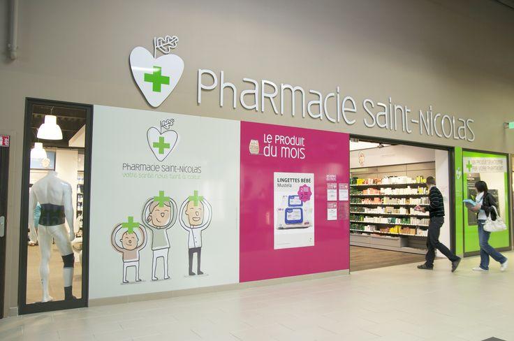 Agencement et signalétique d' une pharmacie  pour mieux communiquer #designdespace #agencement #signaletique #pharmacie #desrondsdansleau