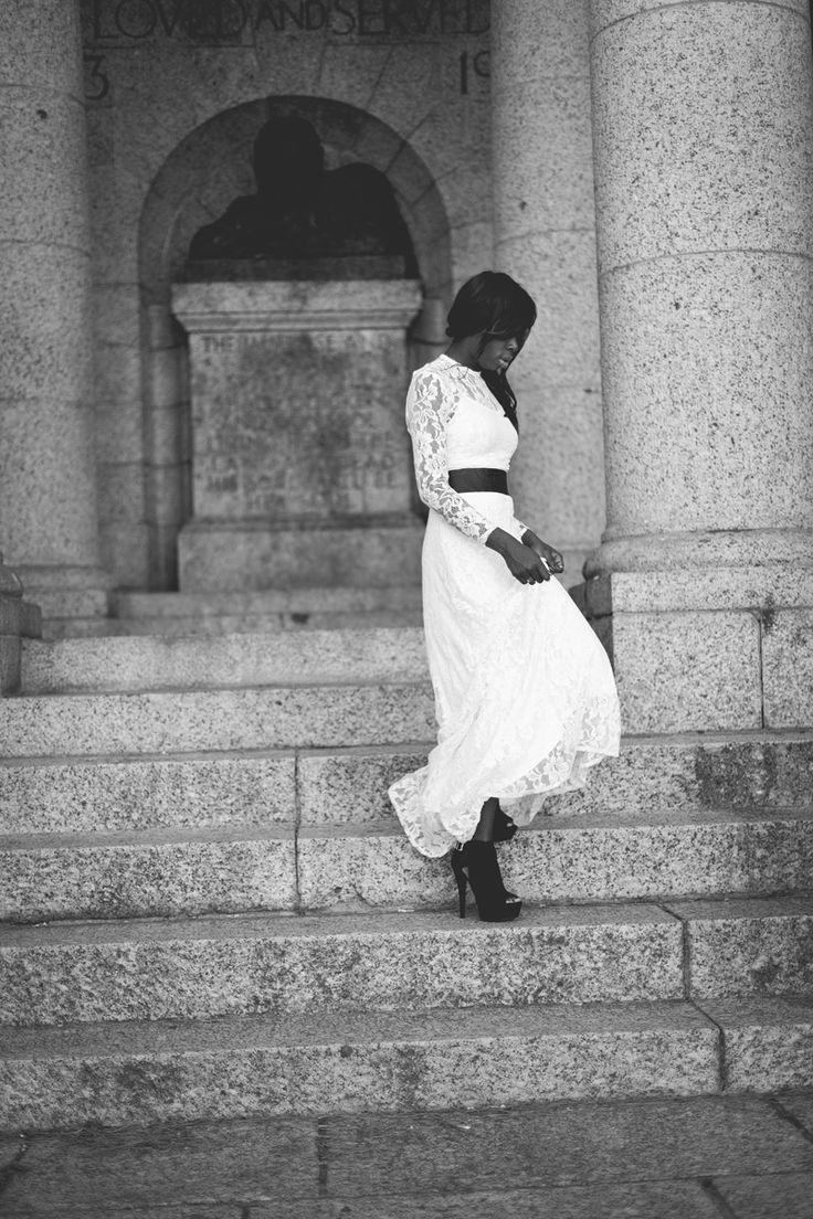 Moyin Oloruntoba - Fashion Blogger of Mozé
