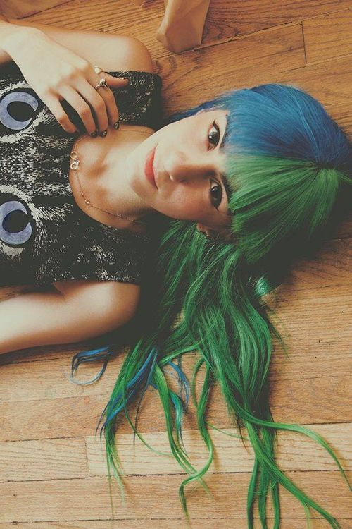 Blue Green Half/half hair <3