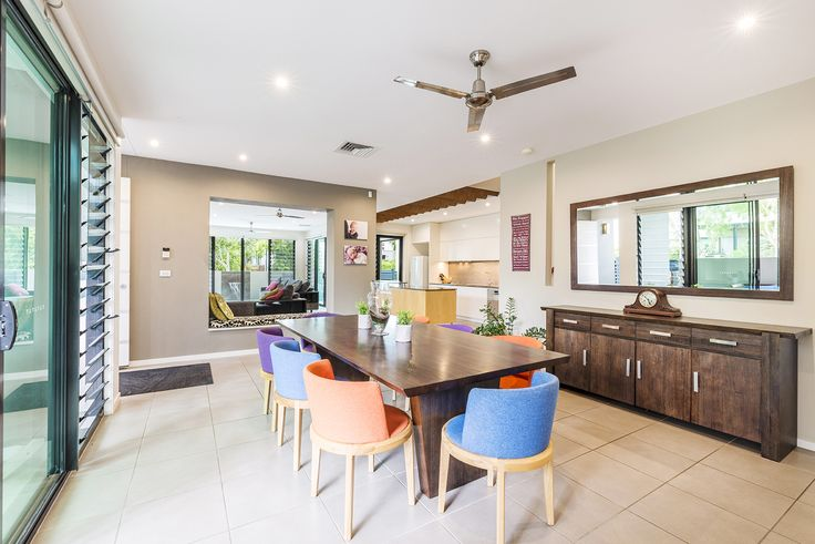 BULIMBA 2 Edgewater Place...A rare opportunity to purchase a home, right in the heart of Bulimba, that requires nothing more than moving in and putting your feet up.