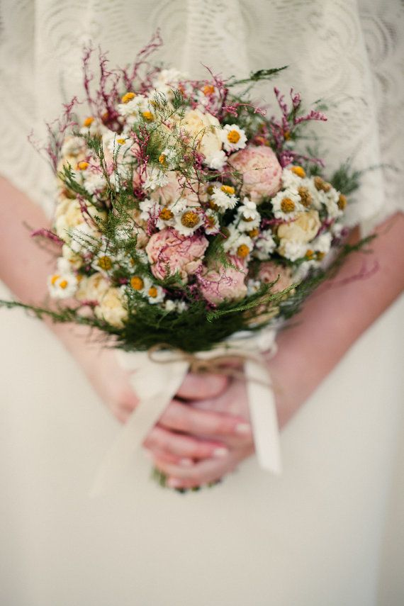 226 best dried flowers images on Pinterest | Floral arrangements ...