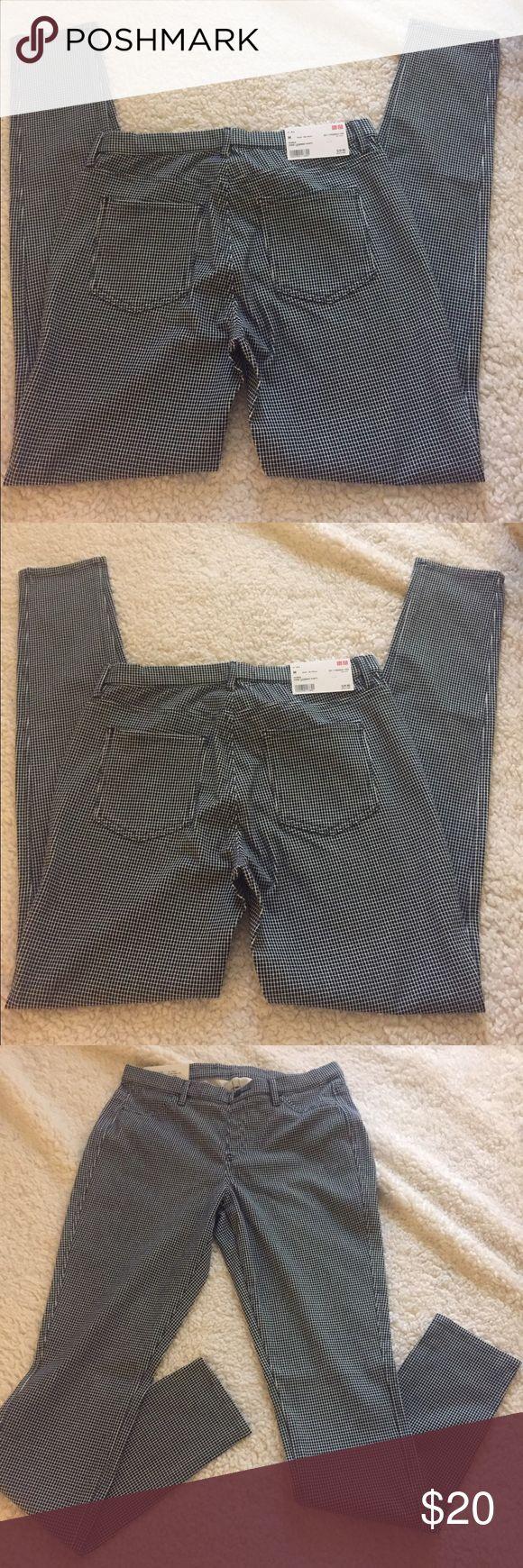 💥💥UNIQLO leggings pants💥💥 ⚡️UNIQLO⚡️Women blue/ white print leggings! Very soft material 56%cotton 17%polyester 17%spandex! 😍💥 Uniqlo Pants Leggings