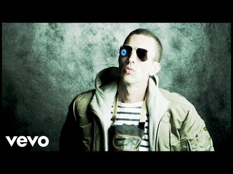 Richard Ashcroft - This Is How It Feels (Official Video) this is what is happening in my life right this moment, and i just discovered Ashie had new music  =)