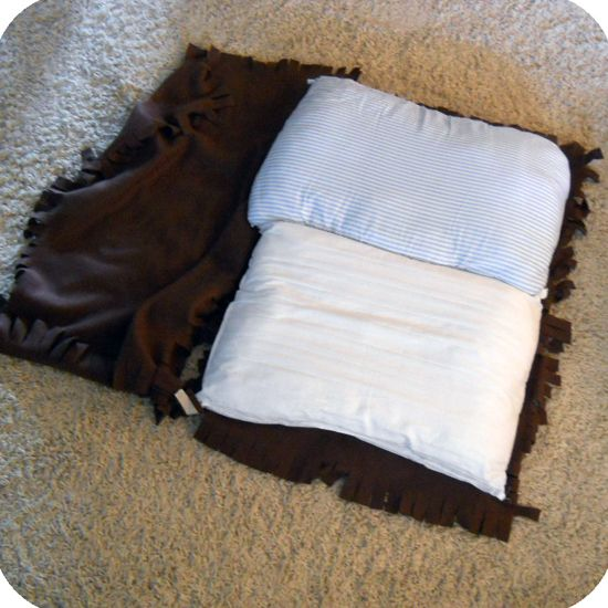 DIY-No-Sew-Dog-Bed-6