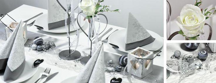 Tischdekoration zur Hochzeit im Vintage-Look in Silbergrau mit Spitzentischband bei Tischdeko-Shop.de