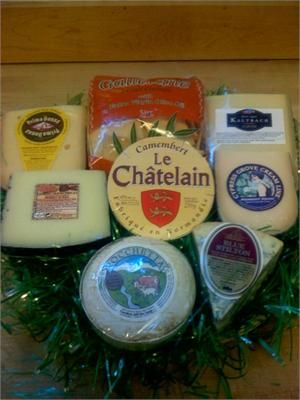 Around the World Cheese Basket- It's like travelling around the world without leaving your dining table!