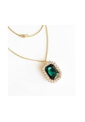 O'hara Pendanthe O'hara Pendant necklace is that perfect jewel tone pop, adding warmth to a neutral Fall/Winter palette. A rectangular, emerald stone surrounded by small clear stones set in gold on a dainty chain - perfection! Ell and Emm.