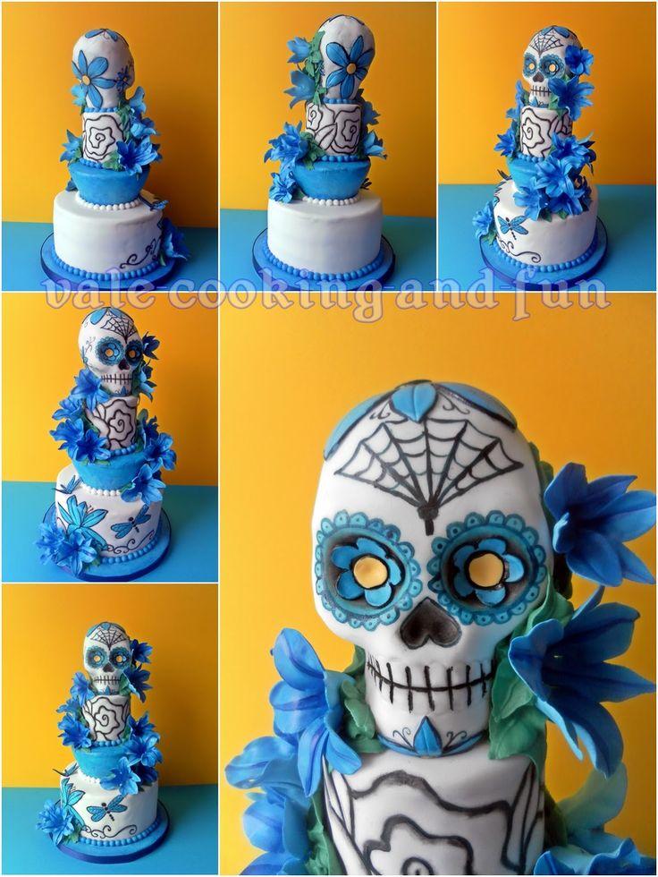 "Cooking & Fun by Valentina: Tattoo Cake mit Sugar Skull und blaue Lilien/ Торта ""Татуировки"" със захарен череп и сини лилии"