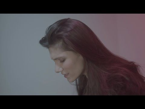 "Elisa - ""A modo tuo"" - (official video 2014) - YouTube"