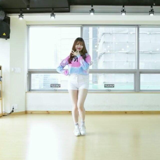 YouTuber Dream dance  Laboum Hwi Hwi  dance cover  @sebin461 @s_cha22un     MISS THIS KISS!! I'm obsessed with this song sm   #kpop #kpoplover #kpopidols #kpopfan #ilovekpop #kpopcover #cosmicgirls #wjsn #redvelvet #4minute #gfriend #apink #twice #bts #aoa #clc #girlsgeneration #ohmygirl #exid #laboum #seventeen #sistar #gu9udan #sonamoo #mamamoo #crayonpop #blackpink #momoland