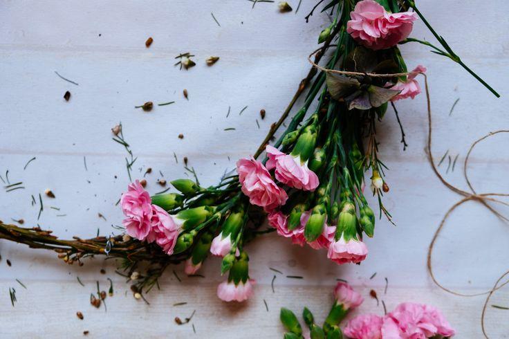 roze bloemen- flower wreath diy- making wreath- krans maken- pink flowers- http://www.mylucie.com