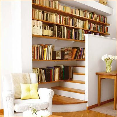 17 mejores ideas sobre escaleras en espacios reducidos en for Muebles bajo escalera fotos