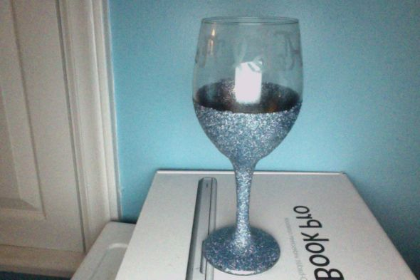 17 best images about wine glasses on pinterest spooky How to make wine glasses sparkle