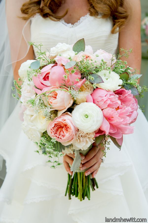 Garden Style Wedding. Not crazy about pink flowers... But love the soft peach colors.