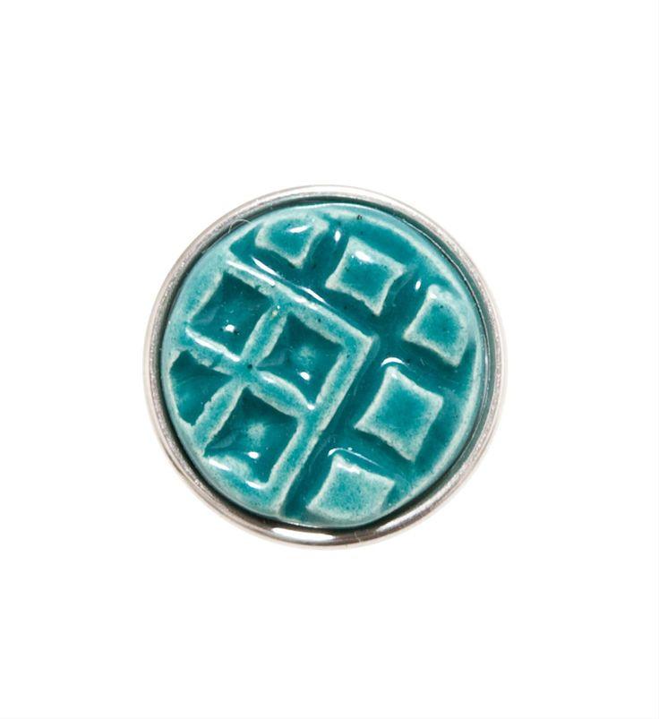 Noosa Amsterdam chunk Eban. Dit West-Afrikaanse symbool Eban symboliseert een hek. Het staat daarom ook teken voor de veiligheid en geborgenheid die in liefde gevonden kan vinden - Nummer Zestien.eu