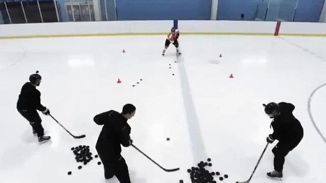 Stickhandling skills of a pro hockey player http://ift.tt/22kq6jQ Love #sport follow #sports on @cutephonecases