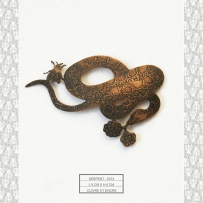 Bijou mural - Serpent - Michaël Cailloux  Exposition au 107,Rivoli - Boutique du musée des arts décoratifs de Paris
