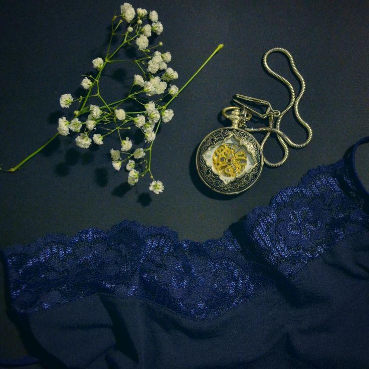 Uniconf » Nu e greu să te pregătești pentru o seară elegantă. E nevoie doar de puțină imaginație și lenjerie confortabilă.