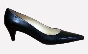 Хорошо вычищенной классическая женская обувь должна