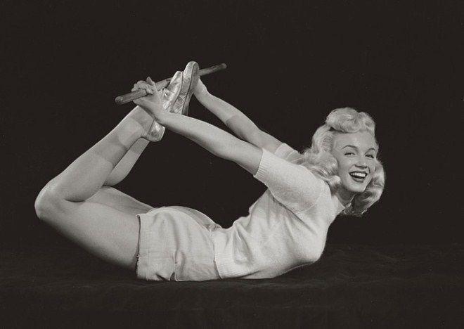 Marilyn Monroe, yoga superstar