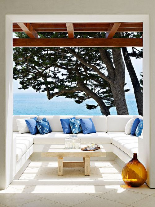 Emerald Bay patio, Los Angeles. Evens Architects.