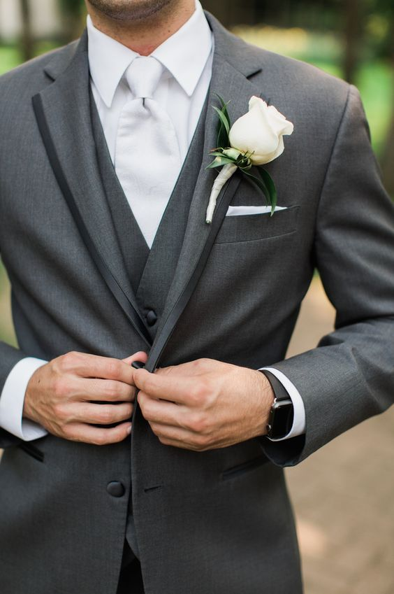wedding groom suit tuxedo grey mens / http://www.deerpearlflowers.com/grey-fall-wedding-ideas/