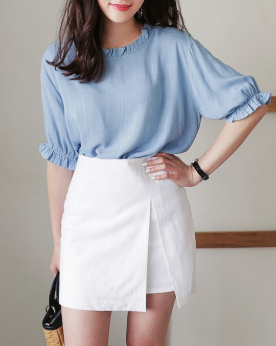 Water Jelly Frilly Blouse
