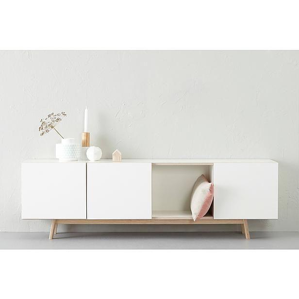 Eventuele optie dressoir (Als julie het huidige Ikea meubel toch als boekenkast willen gebruiken, dan is dit dressoir een indicatie van wat jullie zouden kunnen kopen. Het is misschien wel mooi om een iets hoger model te nemen i.v.m. De hoogte van het keukenmeubel (magnetron/oven gedeelte).