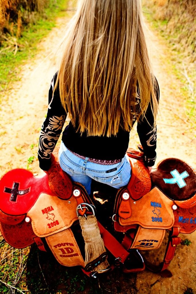 gotta win one more saddle so i can take a picture like this :D