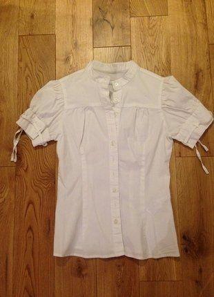 À vendre sur #vintedfrance ! http://www.vinted.fr/mode-femmes/blouses-and-chemises/29851676-chemisier-manches-courtes-col-mao-blanc-zara