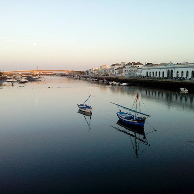 Sunsetting moment.... #portugal #tavira #boats #bridge #sunset #colours #nofilter #friday #visitingfriends #gorgeous #architecture #river