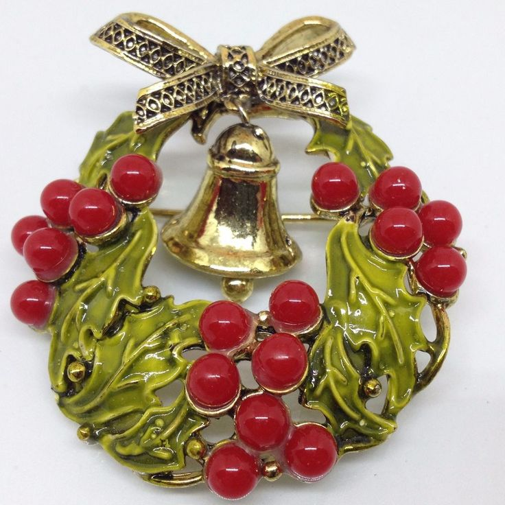 Signed WEISS Vintage CHRISTMAS WREATH BROOCH PIN Enamel Red Berry Beads Jewelry  | eBay