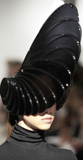 Wire headpiece/structureZARA GORMAN's architectural hats (Freak of...)