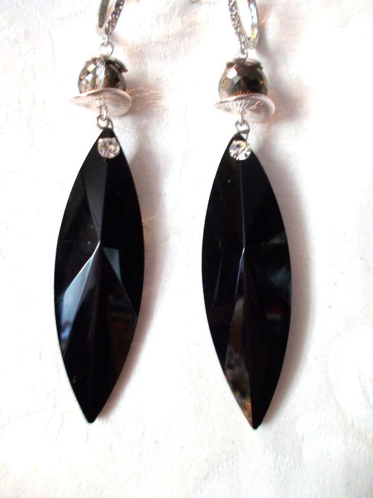 boucles d'oreilles noires, argentées, tombantes, cristal de la boutique miamsshop sur Etsy