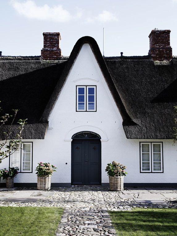 Traditional Contemporary Home   HomeAdore