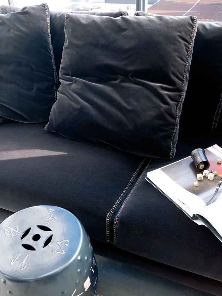 Sofa: RAY - Collection: B&B Italia - Design: Antonio Citterio