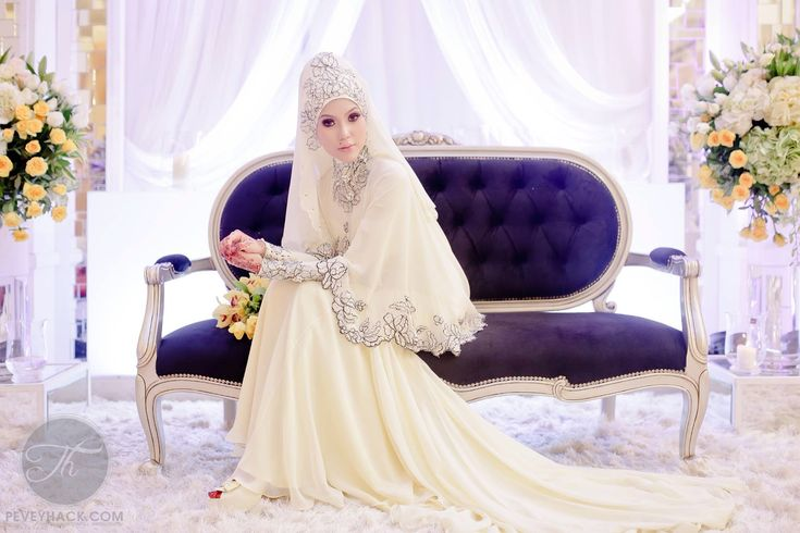 loose wedding dress, hijab