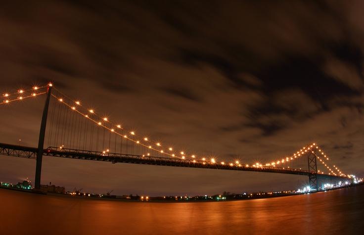 Ambassador Bridge 2 - Windsor, Ontario  Photo: calebest.com