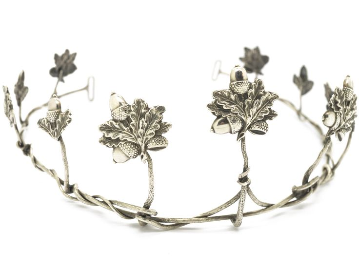 A most unusual original Victorian silver tiara with acorn and oak leaf design. Mighty, strong, enduring and steadfast old oaks were venerated and used by the druids and later by the kings and the Church in England. The oak has been venerated in England for hundreds of years. The Oak tree symbolises hospitality, stability, strength, …