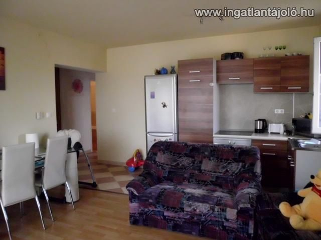 6251 - eladó újszerű 2 szoba + nappalis társasházi lakás !, Eladó téglalakás, Érd, 16 500 000 Ft #3610997 - Ingatlantájoló.hu