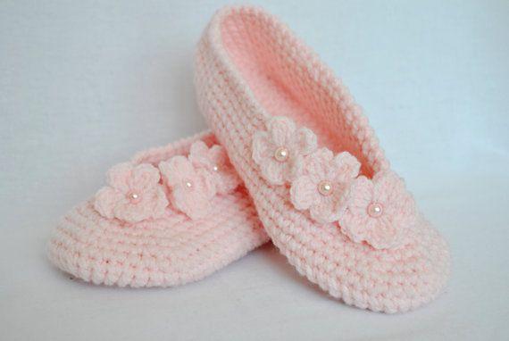 Pink crochet slippers. House slippers. Crochet shoes. by KimNata5, $19.00