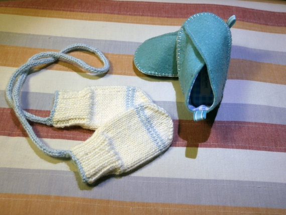Baby gloves and Felt baby shoes