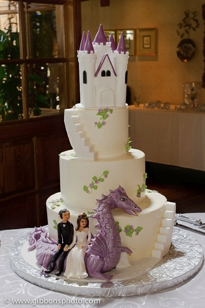 castle and dragon wedding cake - LOVE it