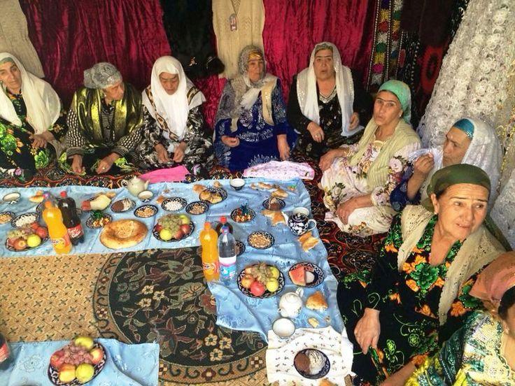 Reisspecialist Lotte in #Samarkand #Oezbekistan #TiaraTours http://www.tiaratours.nl/reis/internationale_groespreis_oezbekistan