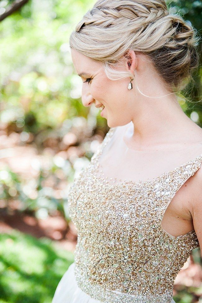 17 Jaw Dropping Wedding Updos & Bridal HairstylesConfetti Daydreams – Wedding Blog