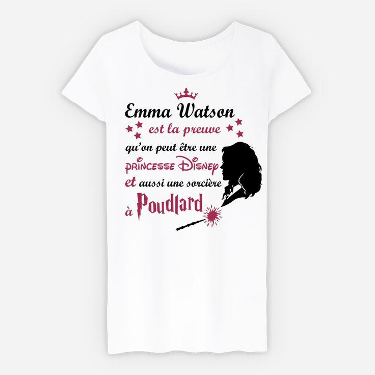 Devenir une princesse Disney et une sorcière à Poudlard c'est réellement possible ! La preuve avec Emma Watson ! Modèle disponible en Tshirt femme, débardeur, Sweat avec ou sans capuche. Deux coloris sont aux choix : blanc et gris chiné. Retrouvez directement ce Tshirt sur : http://keewi.io/c/emmawatson  Ou bien,retrouvez tous nos modèles de Tshirt en rapport avec l'Univers d'Harry Potter sur la Facebook Tshirt Addict en suivant ce lien : https://www.facebook.com/montshirtaddict/