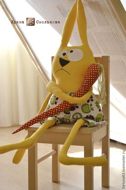 Купить или заказать заяц ЖЕЛТОК в интернет-магазине на Ярмарке Мастеров. Большой, ярко-желтый, заряженный позитивом, солнечный и просто прикольный заяц ЖЕЛТОК ))) Самый изысканный ценитель морковки! С ним можно играть, спать, обниматься, читать книжки, усадить рядом с собой в кресло - он любит быть в центре внимания! Только не вздумайте отбирать у него морковку ))) Лучше дайте ему еще, и побольше! Труселя сни…