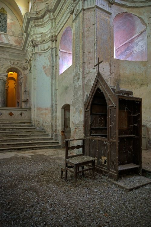 Abandoned buildings photography by Vincent Jansen 3